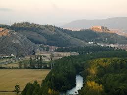 Río Pisuerga a su paso por Aguilar
