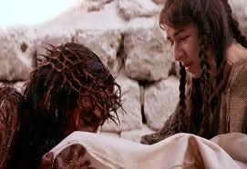 La Verónica limpia el rostro de Jesús