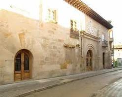 Palacio de Villalobos.-