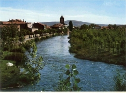 El río fluyendo por la Cascajera