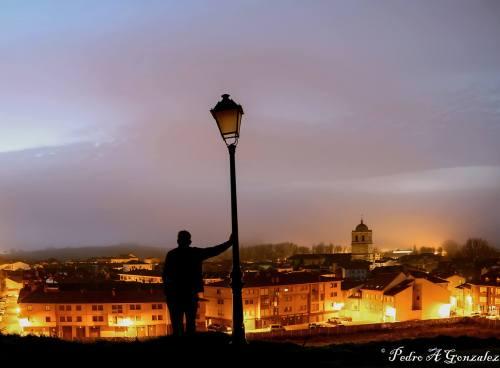 panoramica-de-aguilar-de-noche
