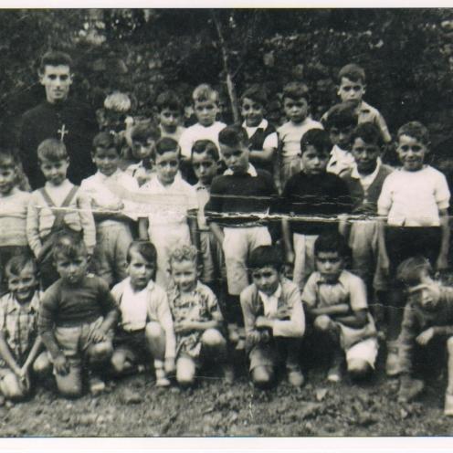 grupo-de-escolares-en-el-colegio-san-gregorio
